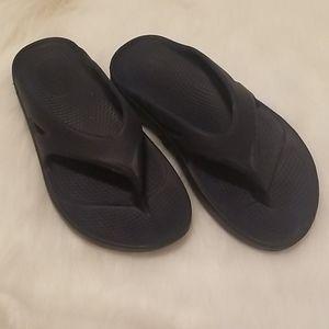 Womens Oofos Sandals